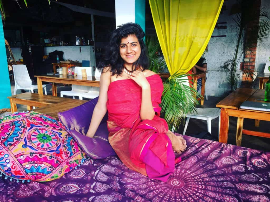 #RealGirlsRock: In Conversation With Blogger Turned Tarot Reader Zohra Shanti (Karishma Rajani)